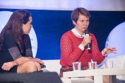 Tetiana Pushnova (right) in her session. / Novomedia