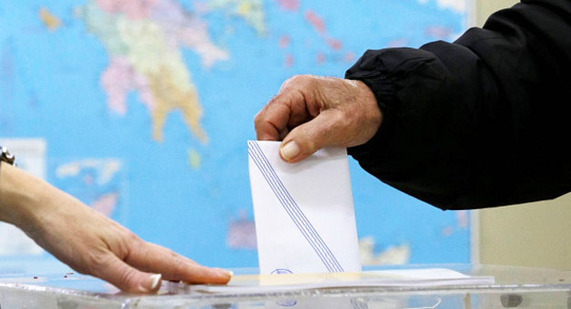 A citizen casts his vote in the last Greek elections. / AP,elections Europe