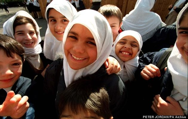 Children of Islamic primary school in London, the first state-funded Muslim school. / PA,islamic school