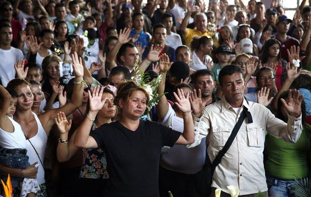 Kluiberth Roa´s family and friends pray for peace in Venezuela,