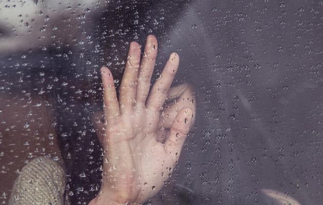 Photo: Milada Vigerova (Unsplash, CC),mirror, window, woman