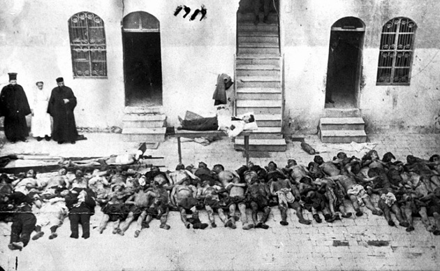 Armenian victims, in 1915. / AINA,Genocide, Armenia