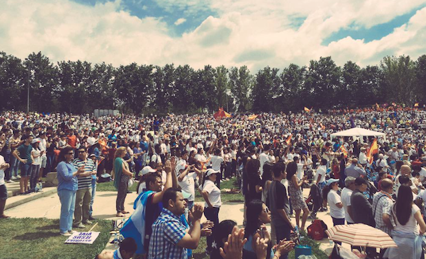 Thousands gathered to pray for Spain. / CEFCON Europa, Twitter,españa oramos por tí