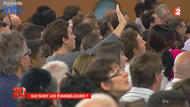Worship service, as reported on France TV's report. / France 2,evangeliques, evangelicals France