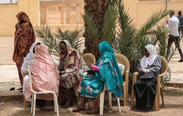 Women take part in a sit-in by Sudanese opposition parties in Khartoum / AP,