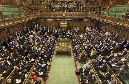 The Commons, waiting for the vote / BBC