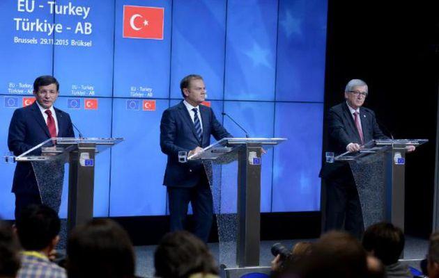 Davutoglu, Tusk and Juncker in Bussels,