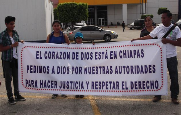 We ask God for our authorities, said the sign of these Mexican Christians. / ICC,