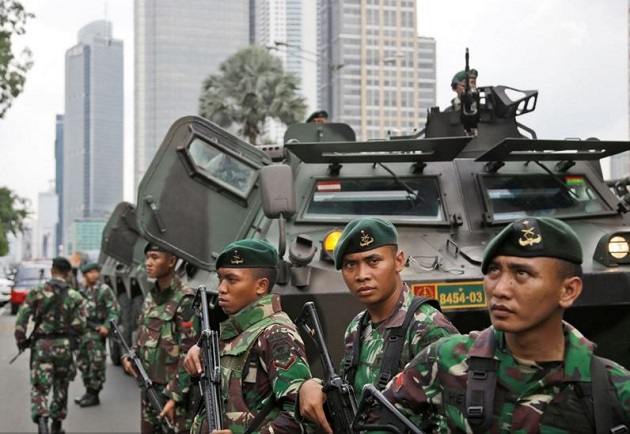 Indonesian soldiers have secured the area in Jakarta. / AP,jakarta, indonesia, soldiers, 14 january