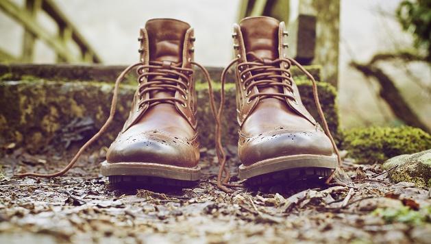 Photo Andy Chilton (Unsplash, CC),boots, shoes, quality