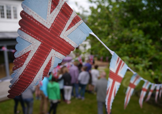 Photo: M. Hawksey,union jack, flags, garden, HQ