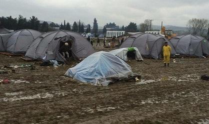 Tents in the mud, in Idomeni. / OAC Albania