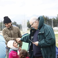 Ian Caralee leads the team of Christians helping from Albania at Idomeni. / OAC Albania