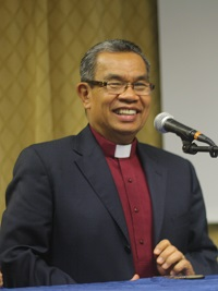 Bishop Tendero explained his view of what evangelicals believe. / J. Forster