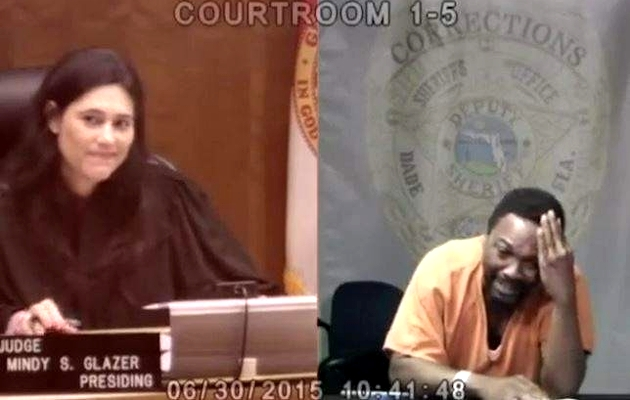 Mindy Glazer and Arhur Booth during the trial. / BBC video caption,Mindy Glazer, Arhur Booth