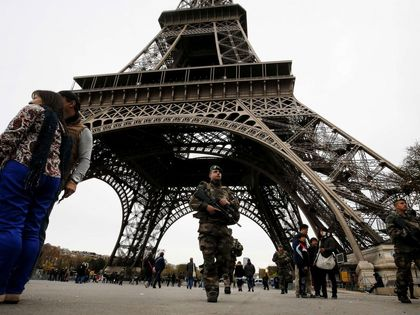 Soldiers patroled all around Paris after the terrorist attacks. / AFP