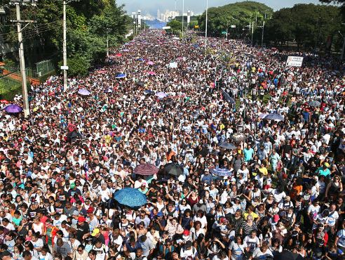Thousands filled the streets of the centre of Sao Paulo. / Folha Sao Paulo