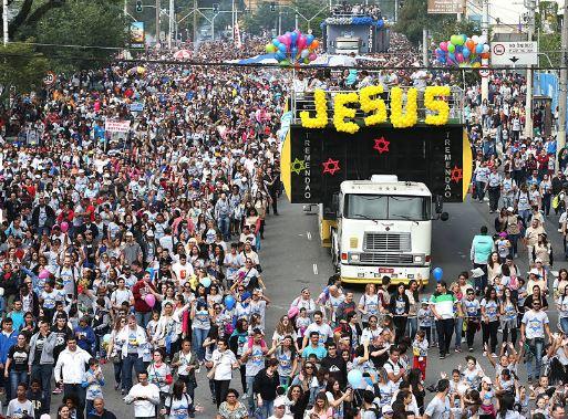 A moment of the celebration. / Folha Sao Paulo