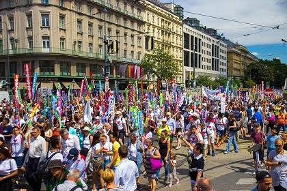 An image of the march. / Photo: Facebook Marsch für Jesus