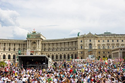 The closing session at the Heroes Square. / Photo: Facebook Marsch für Jesus