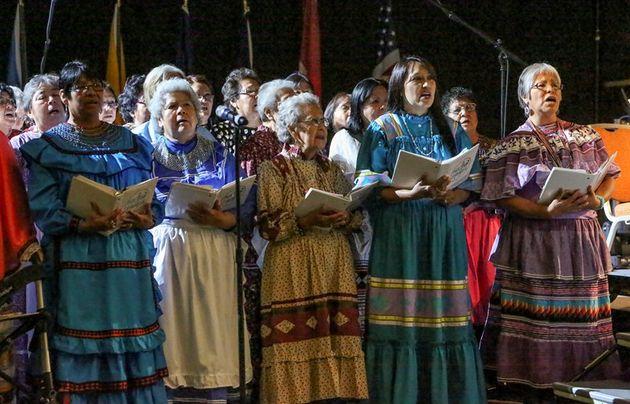 A Native American Christian women choir, singing in  a  FoNAC meeting./  Baptist News,