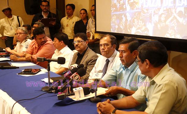 Evangelicals pastors press conference to explain the agreement. / Germán Miranda, El 19,