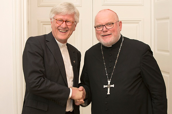Protestant Bishop Heinrich Bedford-Strohm and Roman Catholic Cardinal Reinhard Marx believe 2017 is a year for unity and ecumenism. / Archive,beford, marx, unity, ecumenism