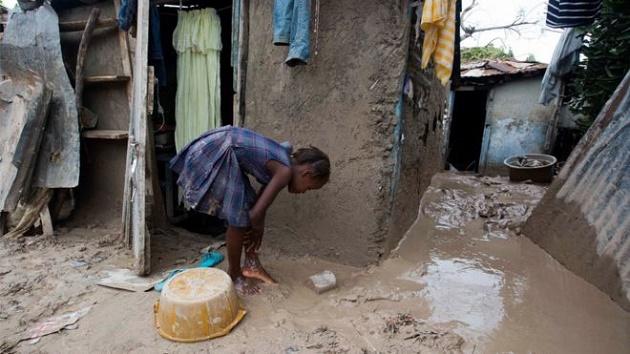 A girl in Haiti after the Hurricane Matthew / AP,