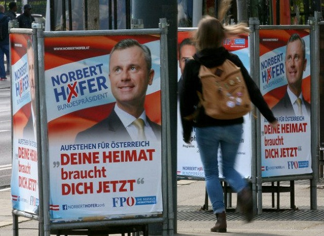 Publicity for FPÖ Presidential candidate Nrobert Hofer in a street of an Austrian city. / Associated Press,hofer, austria