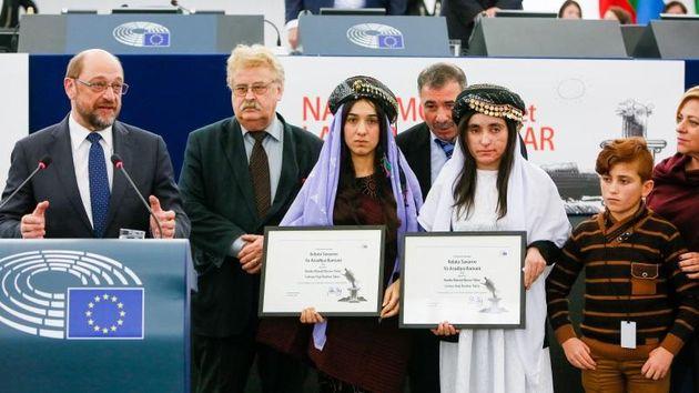 Nadia Murad and Lamiya Aji Bashar with Martin Schulz, president of the EU Parliament. / EP,