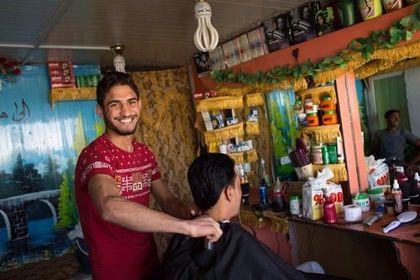 Employment opportunities for refugees. / Maria de la Guardia