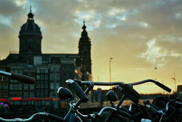 Central train station, in Amsterdam (Netherlands). / Sophie Villerot (Flickr, CC),amsterdam