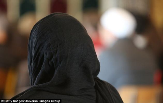 Employers can ban the wearing of religious symbols. /Getty,