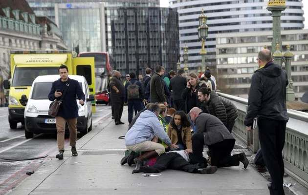 Scene after the attack in London. / Toby Melville Reuters,