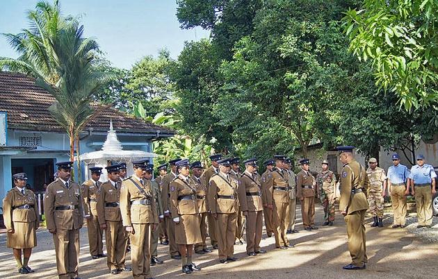 Police in Ingiriya, Sri Lanka. / Wikipedia (CC),