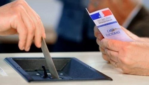 The French will elect their President in the second round. ,carte electorale, france