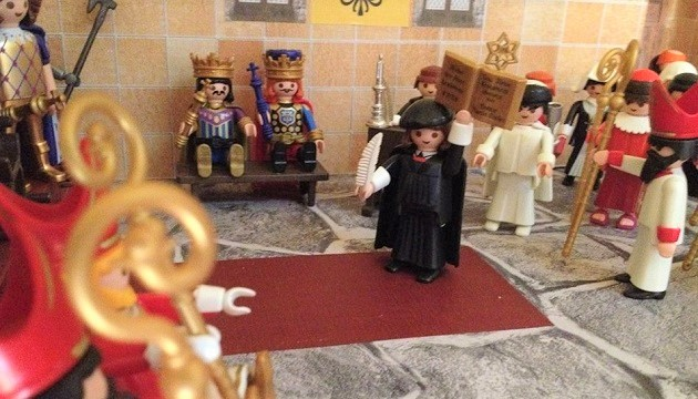 Luther and the Scripture, a scene of the Playmobil diorama created by a Spaniard to explain the Protestant Reformation. / Photo: Jose Luis Fernández.,