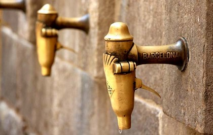 Drinking fountains in Barcelona, Spain. / Pixabay
