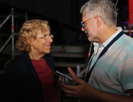 Pedro Tarquis, director of Evangelical Focus, interviewing Manuela Carmena. / MGala