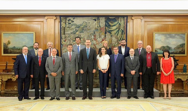 King Felipe, Queen Letizia, and Justice Minister Rafael Catalá, with evangelical representatives at the royal reception, on July 27, 2017. / Casa S.M. Rey,Felipe VI, evangélicos