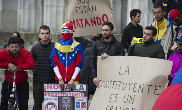 Protesters in a demonstration against the Constituent Assembly.,