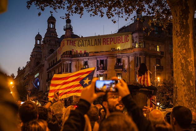 Thousands protested in Barcelona on September 20, after top Catalan politicians were arrested. / Photo: Toshiko Sakurai (Flickr, CC),
