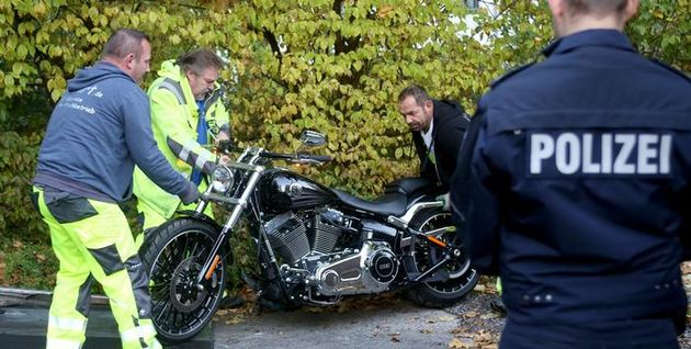 More than 700 police officers are involved in the crackdown against the Hells Angels in over a dozen German cities.,