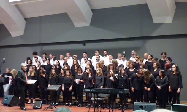 The choir of the evangelical church of Marín sang during the event.,