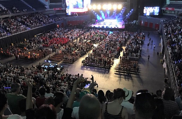 A special service to celebrate the 500th anniversary of the Reformation gathered 8,000 evangelical Christians in Madrid. / 500Reforma.org,