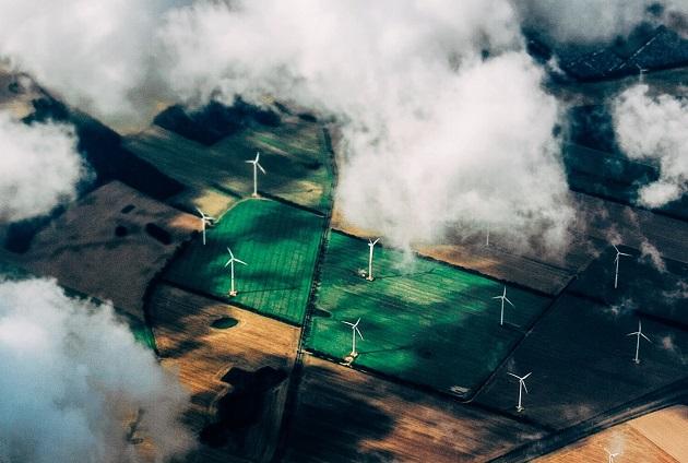 Renewable energy. / Thomas Richter (Unsplash, CC),