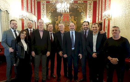 Evangelical leaders of Alicante with the local authorities.