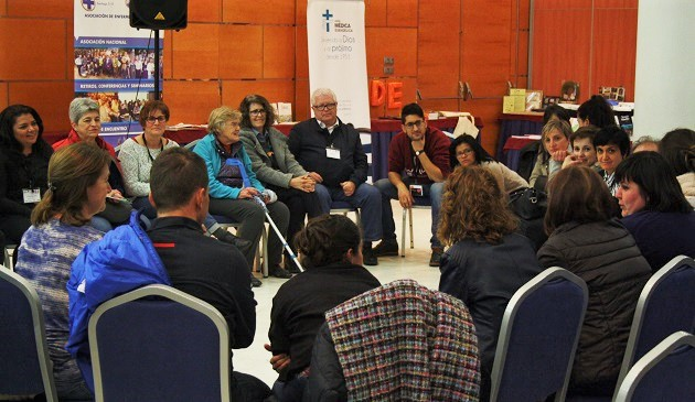 Participants took part in discussions by professional interests. / J. Forster