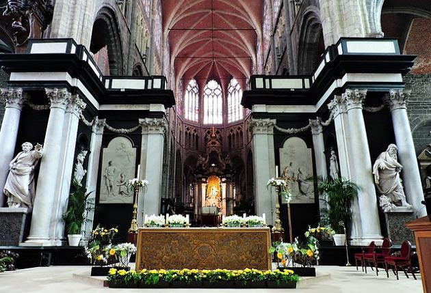Sint Baafskathedraal, in Ghent (Belgium). / Dimitris Kamaras (Flickr, CC),