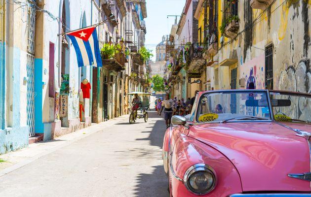 A street of Havana. / Alexander Kunze (Unsplash, CC0),